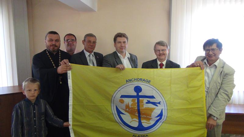 Дэн Кендалл, игумен Роман (Медведев) на встрече с ректоратом Морского Государственного Университета имени Г.И.Невельского. Владивосток 16 сентября 2013 г.